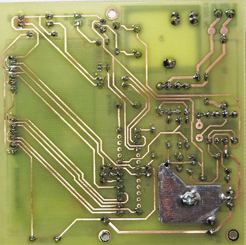 PCB محافظ 30 آمپری با avr و نمایشگر LCD
